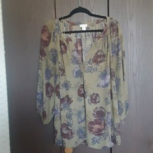 Lucy&laurel blouse like new